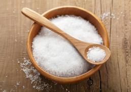 استفاده از نمک برای مو سر
